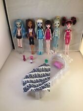 Monster High Dead Tired 6 Doll Lot Abbey, Ghoulia, Draculaura, Clawdeen Lagoona