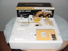 1/25 FIRST GEAR IH INTERNATIONAL HARVESTER 560 PAYLOADER