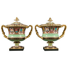 Pair of Flight, Barr & Barr Worcester Porcelain Vases and Covers of Warwick Form