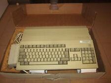 Commodore Amiga 500 con scatola e polistiroli