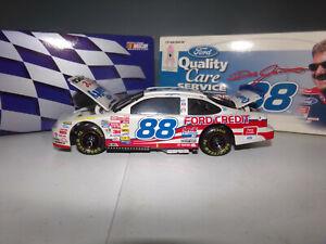 1/24 DALE JARRETT #88 QUALITY CARE  BW/BANK  1999 ACTION NASCAR DIECAST