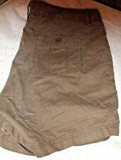 EDDIE BAUER OLIVE GREEN KHAKI $54 shorts size 8 Zip BUTTON BACK PRO CLEANED
