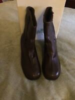 Vintage Brown Boots Leather Upper Side Zipper Montgomery Ward Size 7M AH05267
