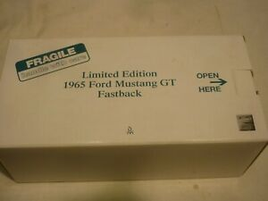 Danbury mint 1965 Ford Mustang GT Fastback, Boxed, ( NMB )