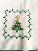 Vintage CHRISTMAS HOLIDAY Hand Embroidered Christmas Tree Napkins Set 4