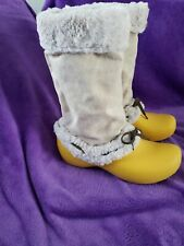Crocs Fur Lined Boots Yellow and Tan  Size 10