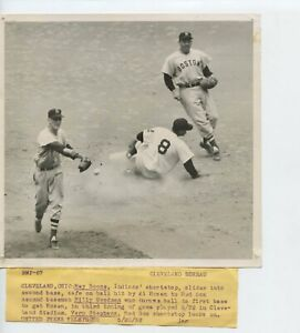 1952 B/W Glossy 7 x 7 Press Photo Indians Red Sox Boone Goodman Stephens