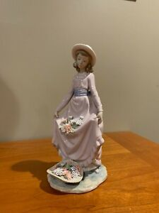 "Lladro #5027 ""Flowers In The Basket"" Girl Pink Dress with Hat Figurine  no box"