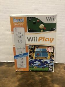 Wii Play (Nintendo Wii, 2007) Game Bundle with Wii Remote and Motion Plus