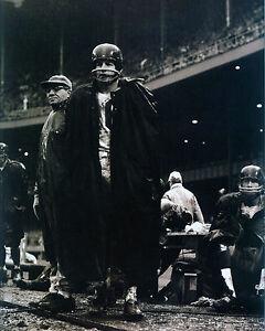 FRANK GIFFORD & VINCE LOMBARDI - Giants 8x10 B&W Photo