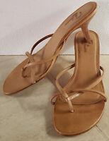Sandali in Pelle Beige Tacco a Rocchetto n. 37 - usato