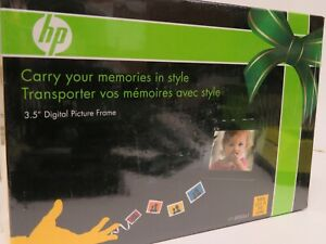 "HP 3.5"" Digital Picture Frame w/ Case - Portable - Model DF300A1 - unopened box"