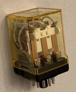 16 x IDEC Izumi RR3PA-U Relay 10A New