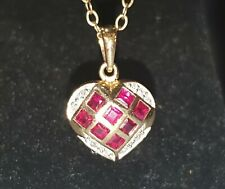 STUNNING SECONDHAND 9ct YELLOW GOLD RUBY & DIAMOND HEART PENDANT ON CHAIN 45cm