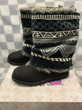 MUKLUKS Boots Women's Size 7 Furry or Southwesten Design Cover (WPL 6134)