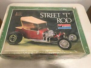"""Monogram 1/8 Scale """"Street T  Rod"""" Model Kit  2604 built up"""