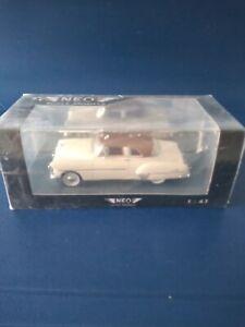 NEO Chevrolet De Luxe HT Coupé OVP 1:43 aus Resine in Handarbeit gefertigt, weiß