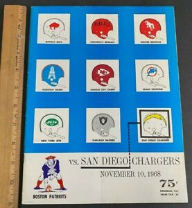 1968 BOSTON PATRIOTS VS SAN DIEGO CHARGERS FOOTBALL PROGRAM EX COND! (MS) 101421