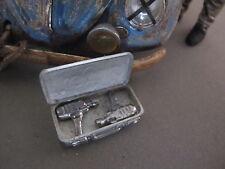 Schlagschrauber Koffer Metall Bausatz Diorama Werkstatt Garage Deko Set 1/18