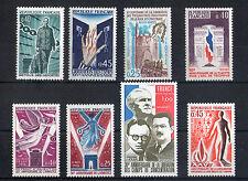 France 8 timbres non oblitérés gomme**  26 Commémoration de guerres