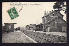 LA CHAPELLE AUX POTS  oise CPA 60 la gare intérieur train en gare