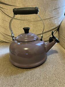 LE CREUSET WHISTLING TEA KETTLE 1.7 qt. ENAMEL, Purple