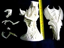 """11""""Queen Alien Head Bust Sci-Fi  Movie Resin Model Kit 1/4"""