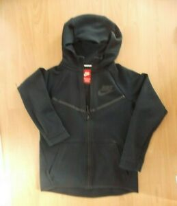 Boys Nike black hooded sports jacket age 10-12 years