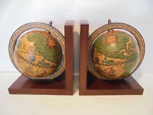VINTAGE PAIR OF ROTATING WORLD GLOBE BOOK ENDS