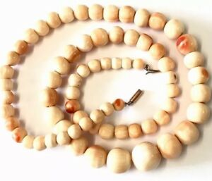 Vintage Angel Skin Carved Graduated Conch Shell 20 Inch Bead Necklace Gold Clasp