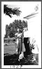 VINTAGE PHOTOGRAPH 1939 GIRLS FASHION CAT KITTEN PANDA BEAR STUFF TOY OLD PHOTO