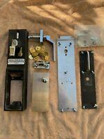 Monarch Coin/Token bathroom door lock mechanism hinges on right Door Swings In