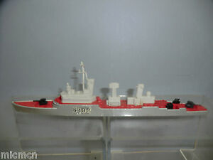 "MATCHBOX SEA KINGS  WATER LINE  MODEL No.K-301  FRIGATE  ""F109"""