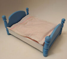 Little Tikes Grand Mansion Collectibles Dollhouse Large blue Bed & blanket #5501