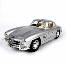 Burago 1/18 1954 Mercedes-Benz 300 SL Vintage Car Model Alloy Memento Silver