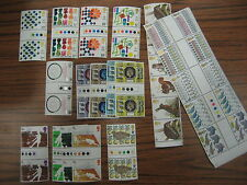 STAMPS 1977 complete YEAR SET  GUTTER PAIR TRAFFIC LIGHT  UNFOLDED
