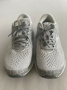 Women's Brooks Ghost 11 Running Shoes Size 8.5
