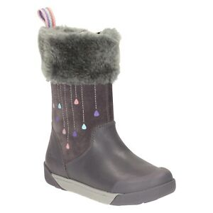 """""""LILFOLKRAE PRE""""Clark's Girl's Grey Leather Boots size 7.5 G."""