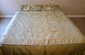 Bed Set Double Quilt,/Throw, Valance and Pillow Shams