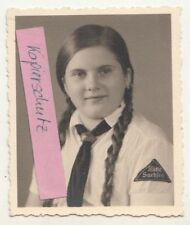 Photo Bdm Jeune Fille Maid Tresses Milieu Saxe à 1935 Foulard Jeunesse Vintage