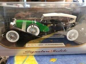 1934 DUESENBERG MODEL J BLACK/GREEN 1/18 DIECAST MODEL BY SIGNATURE MODELS 18110