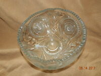 L. E. Smith Slewed Horseshoe Pressed Glass Punch bowl ONLY EXCELLENT