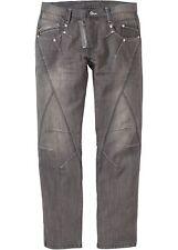 Trendige Jeans mit auffallenden Details