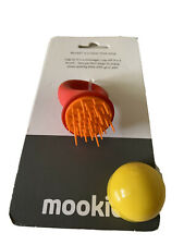 Mookie Pet Dog Cat Rabbit Massager And Brush