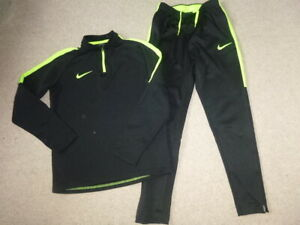 Boys NIKE Dri Fit Track Suit age 10/12 years