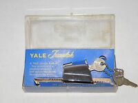 VINTAGE PORTABLE SECURITY LOCK 2 KEYS YALE TRAVELOK TRAVEL LOCK  IN PLASTIC CASE