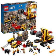 LEGO City Bergbau Spielzeug Set mit Bagger LKW Kran & Figuren für Jungen ab 7
