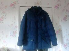Trespass mans coat size xxl puffa coat  hood  navy  pockets inside and out warm