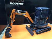 Universal Hobbies 1/25 DOOSAN DX27Z Compact Excavator Diecast Model UH8141