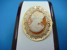 AMAZING 14K YELLOW GOLD VINTAGE CAMEO BROOCH WITH HEART MOTIF FRAME, 5.7 GRAMS